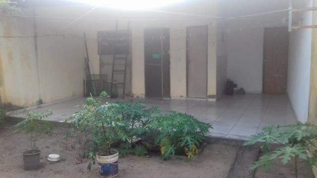 Vendo casa 2/4 sendo 1 suite com dependência completa e quintal e garagem coberta - Foto 9