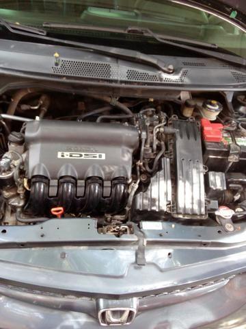 Fit Honda 1.4 Ano 2005 - Foto 2