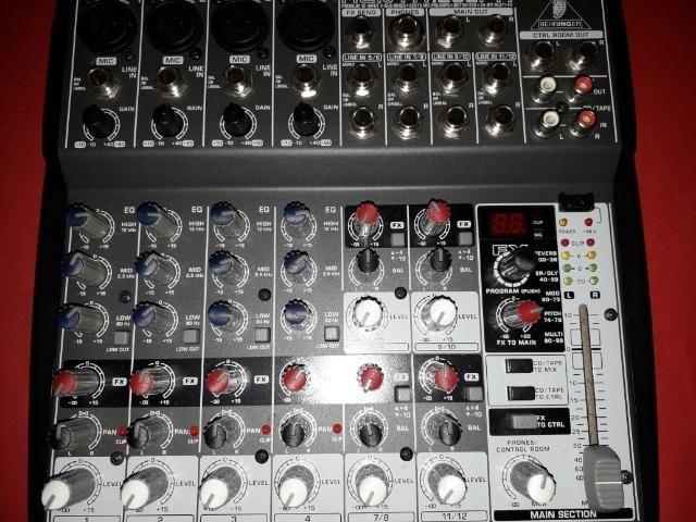 Excelente Mesa de Som Behringer Xenix 1202FX (12 canais) - Baixei para entregar! - Foto 2