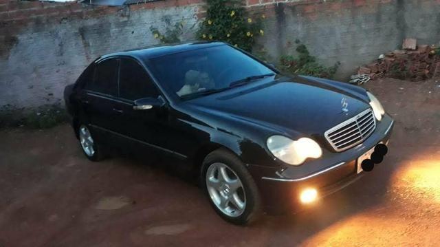 Vendo ou troco Mercedes mas informações no zap *