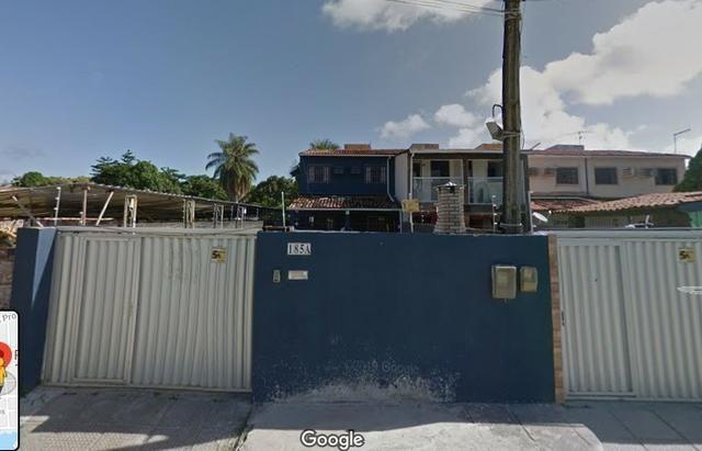 Casa em Candeias com 207 m2 por R$ 195 mil sua chance!
