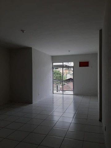 A RC+Imóveis vende um excelente apartamento no centro de Três Rios-RJ - Foto 17