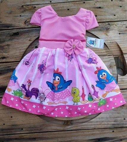 Vestido infantil temático Galinha Pintadinha - Foto 3