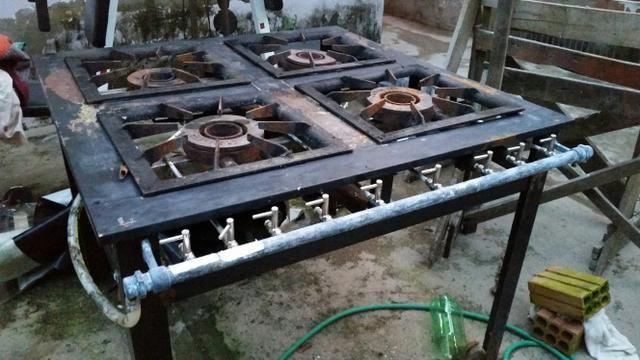 Fogão industrial 4 bocas