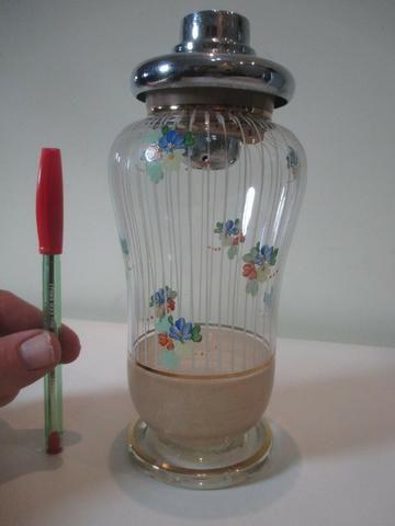 Coqueteleira de vidro decorado anos 50 ou 60 sem a tampinha - Foto 2