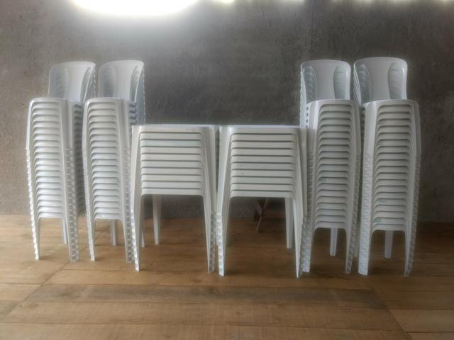 Locação de mesas e cadeiras Piraquara, leia o anúncio