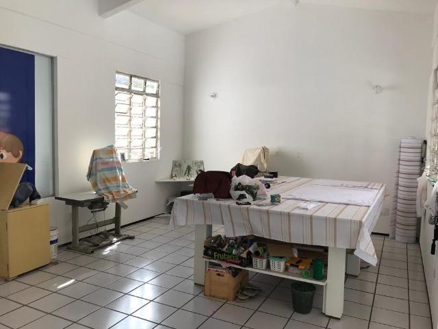 Casa com 4 dormitórios para alugar, 400 m² por R$ 3.500/mês - Foto 9