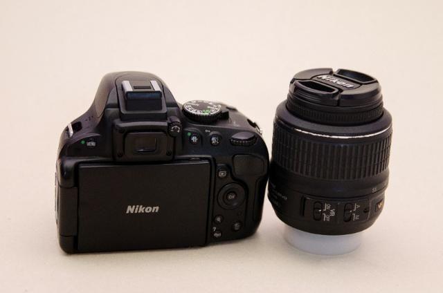 Kit Nikon D5100 + Lente+grip+bateria Extra + Cartão Sd + Bolsa -Muito Nova - Foto 4