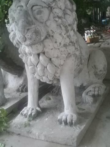 Leões grande em concreto e ferro preço unidade - Foto 2