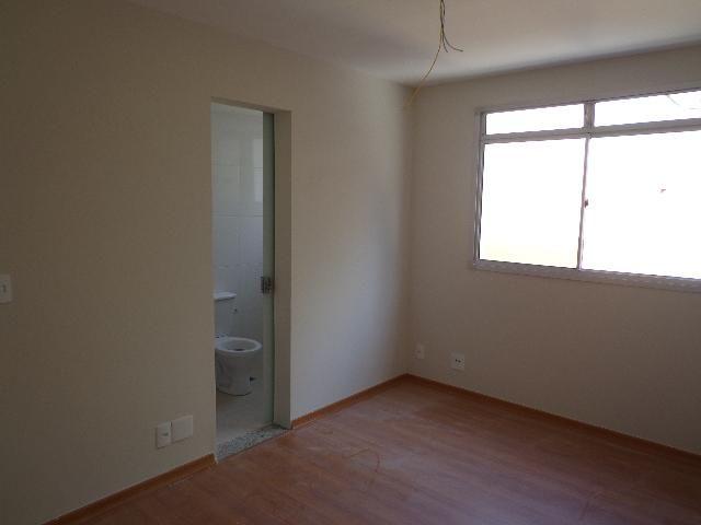 Apartamento com aproximadamente 72,80 m² com sala para 2 ambientes, 03 quartos sendo 01 su - Foto 3