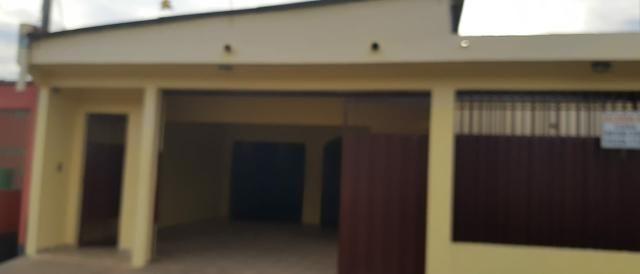 Casa para alugar , rua venezuela fone : *