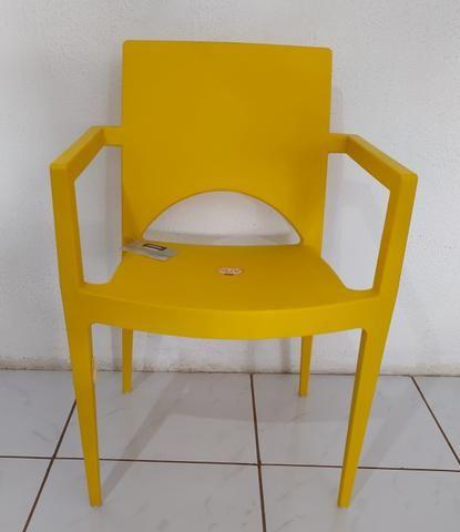 Poltrona casabella na cor amarela
