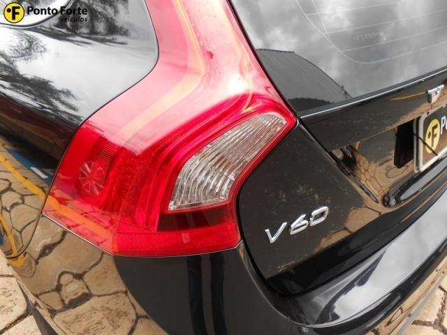 VOLVO V60 3.0 T6 R DESIGN 24V TURBO GASOLINA 4P AUTOMATIZADO. - Foto 14