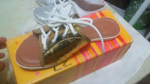 Rasteirinha e tênis tamanho 35 vendo ou troco