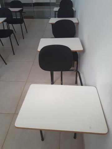 Cadeiras universitárias novas - Foto 2