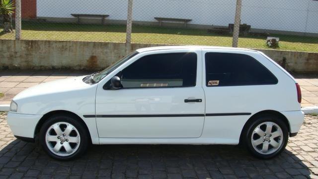 VW Gol 1.6 AP 1997 com direção hidráulica