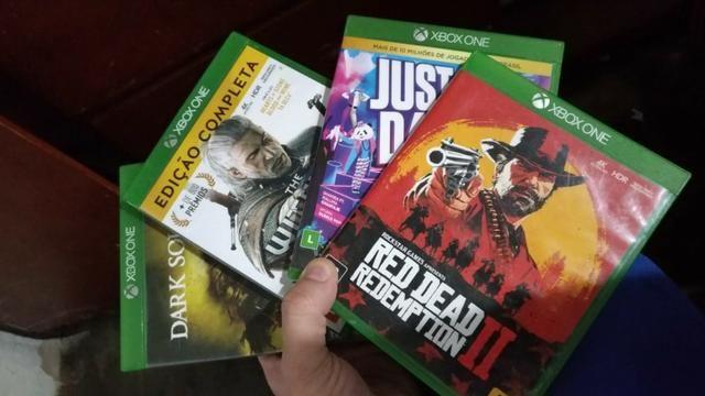 Xbox One S 1TB + 4 jogos - Foto 2