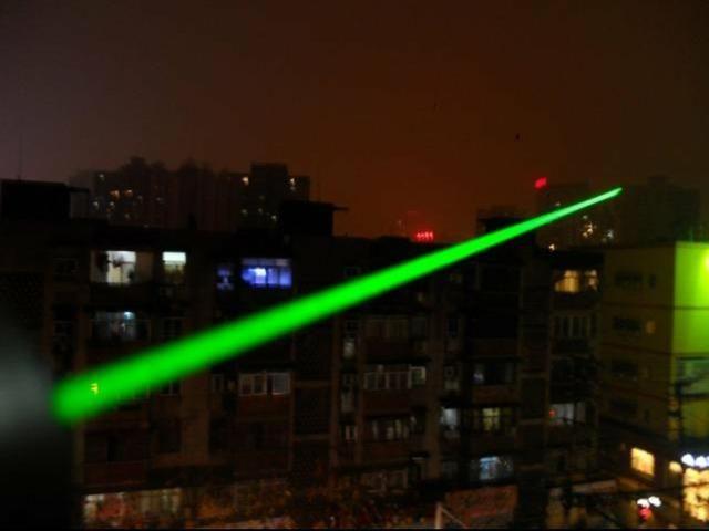 Super Caneta Laser Pointer Verde Longo Alcanse 18 Km - Foto 6