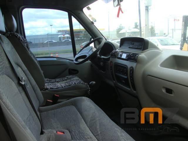 Renault Master 2.5 16V DCI Minibus L2H2 16 Lugares 3P Manual - Foto 7