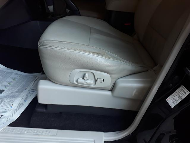 Mitsubishi Pajero HPE 3.2 DIESEL 2012/2013 - Foto 17