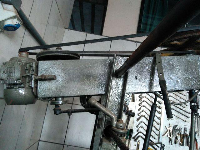 Máquina de retificar e brunir cilindro