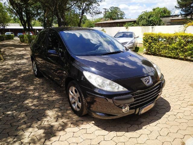 Peugeot - 307 Sedan Presence 2.0 Flex 16V 5p Aut