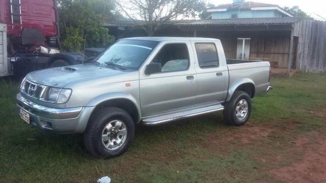 Vende - se essa caminhonete Nissan frontier
