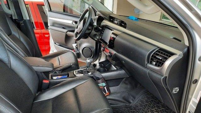 Toyota Hilux CD SR 4x4 2.8 TDA diesel aut. 2020/2020 - Foto 9