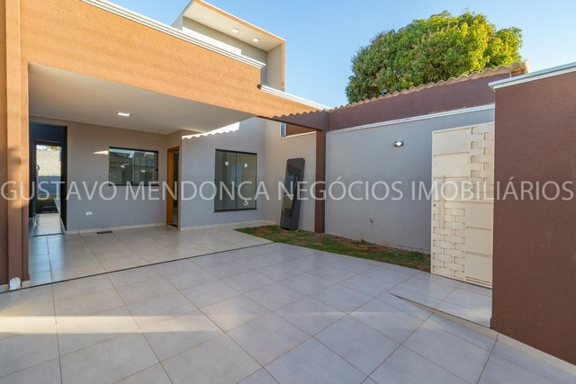 Belissima casa no bairro Universitario - Nova e no asfalto!