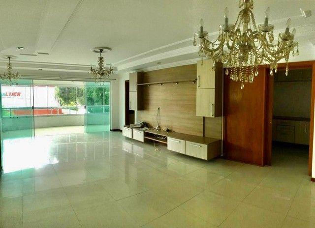 Apartamento para aluguel tem 240 metros quadrados com 5 quartos em Batista Campos - Belém - Foto 2