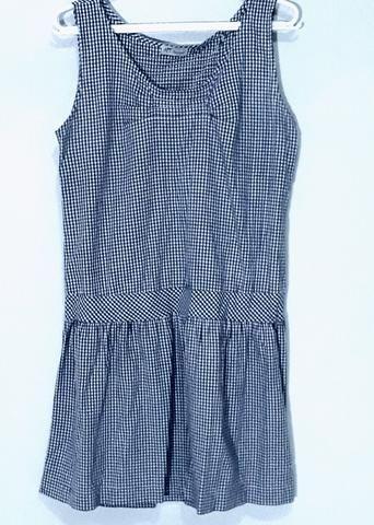 Vestido xadrez azul e branco