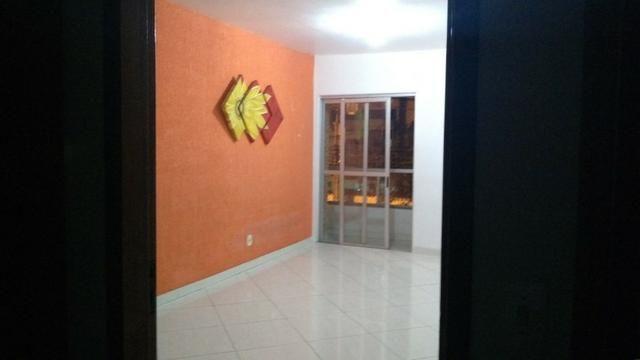 Apartamento amplo 3 quartos frente p/ sol da manha em Jardim Camburi
