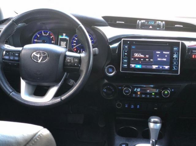 Toyota Hilux SRX 4P - Foto 9