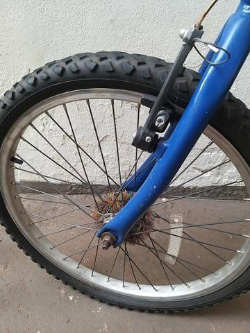 Vendo bicicleta aro 20 td funcionando wats * passo débito e crédito nao parcelo - Foto 4