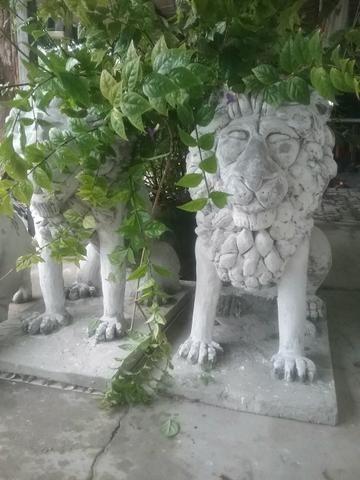 Leões grande em concreto e ferro preço unidade
