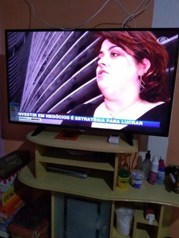 Duas tv's uma de tubo e uma smart tv - Foto 3