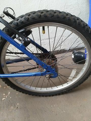 Vendo bicicleta aro 20 td funcionando wats * passo débito e crédito nao parcelo - Foto 3