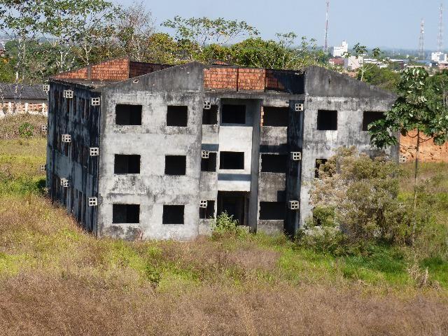 Ótimo negócio prédio em Ji Paraná com 24 apartamentos faltando acabamento - Foto 3