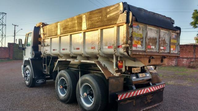 Ford Cargo 1622 truck 6x2 com caçamba Rosseti 10m3 unico dono - Foto 6