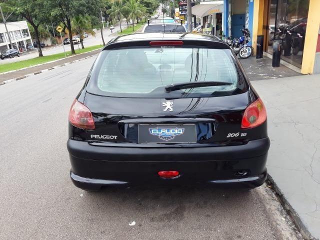 Peugeot 206 Gasolina 1.6 2004 - Foto 4