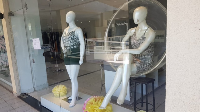 Poltrona Bubble Suede Original + Manequins de fibra + . - Foto 2
