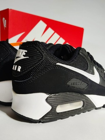 Nike Air Max 90 Black/White Feminino - Foto 2