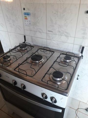 Fogão 5 bocas , com 6 meses de uso, forno usado apenas 2 vezes - Foto 3