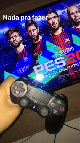 Vendo PlayStation 4 estado de zero 1500 pra botar preço - Foto 3