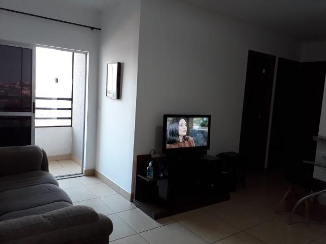Apartamento de 2 Quartos Garagem Jardim Presidente