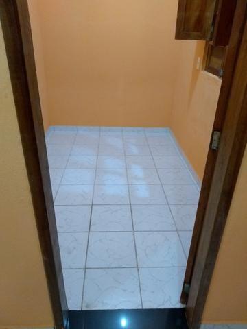 Alugo casa com 2 quartos a 100 metrôs do metrô da mangueira R$500 já com a água incluso - Foto 4