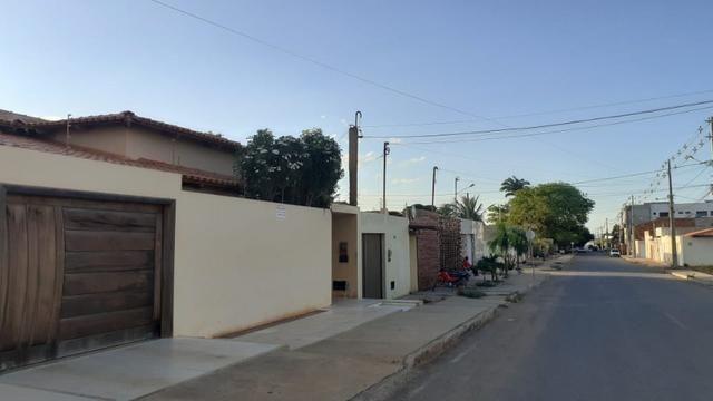 Vende-se casa no bairro Asa Sul, em Irecê - Foto 2