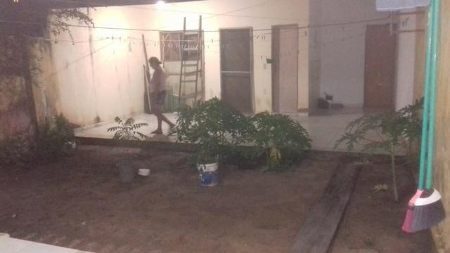 Vendo casa 2/4 sendo 1 suite com dependência completa e quintal e garagem coberta - Foto 11