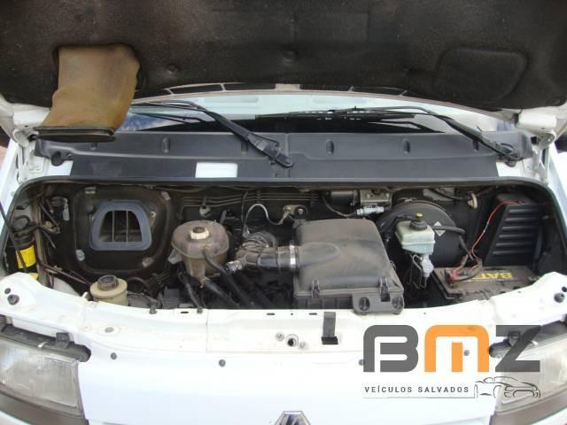 Renault Master 2.5 16V DCI Minibus L2H2 16 Lugares 3P Manual - Foto 9