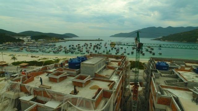 Frente ao mar 02 e 03 Qts 03 suítes e coberturas com piscina Arraial do Cabo - Foto 4